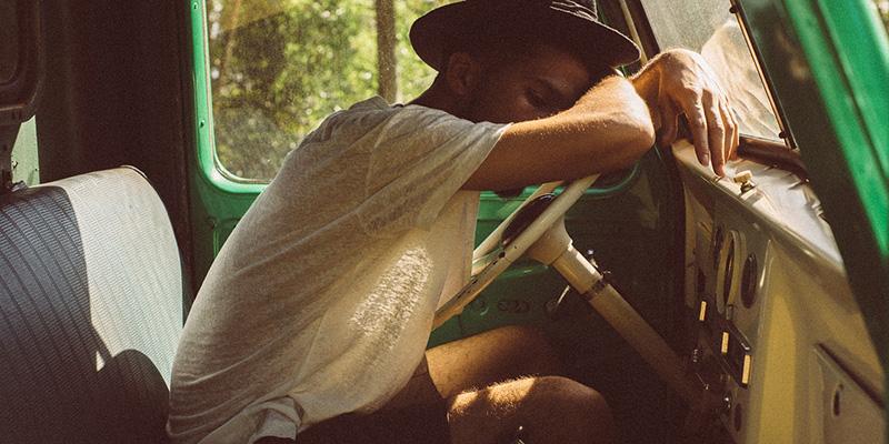 仕事中の眠気を吹き飛ばす方法9選