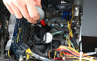 PC内部の掃除が必要な4つの理由と清掃手順。異音&うるさいの原因は埃だった!